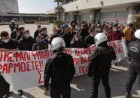 Ανακοίνωση του ΠΑΜΕ για τη βίαιη επίθεση των δυνάμεων καταστολής εναντίον φοιτητών στη Θεσσαλονίκη